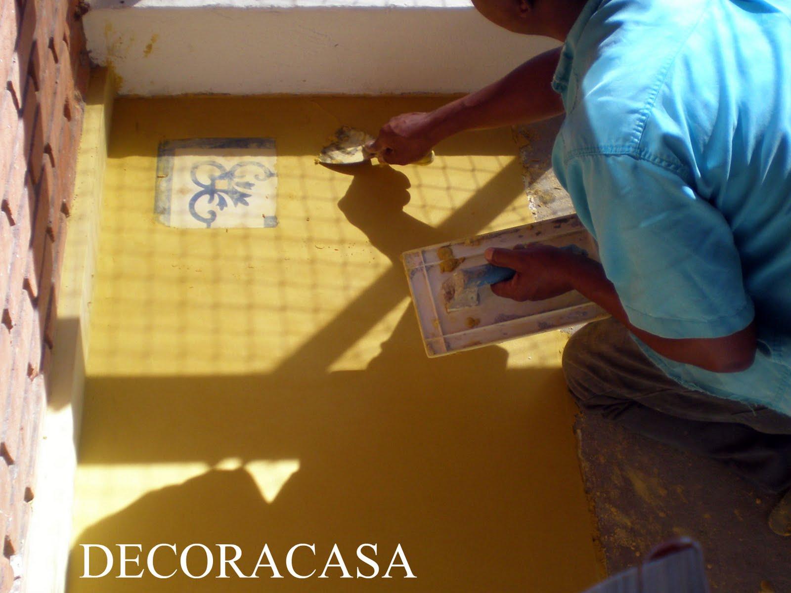 As parcelas de piso eram trabalhadas com cuidado em camadas de mais  #0B9CC0 1600x1200 Banheiro Com Piso De Cimento Queimado